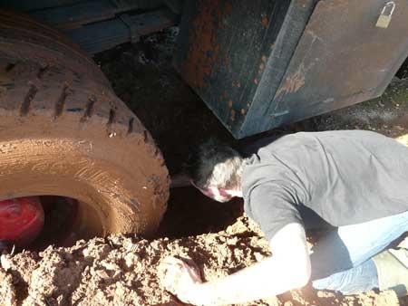 truckunbogged.jpg