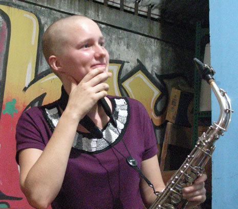 Liz saxophone